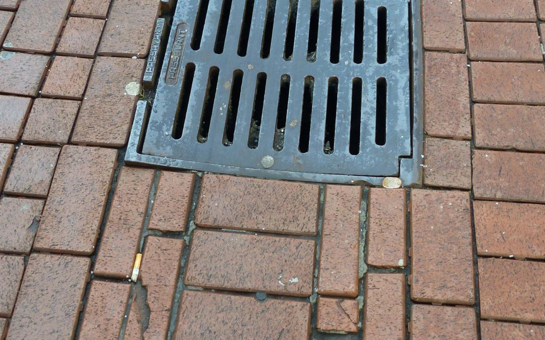 Pflaster in der Innenstadt muss nachgebessert werden