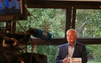 Landratskandidat punktet beim Wahlkampf-Auftakt